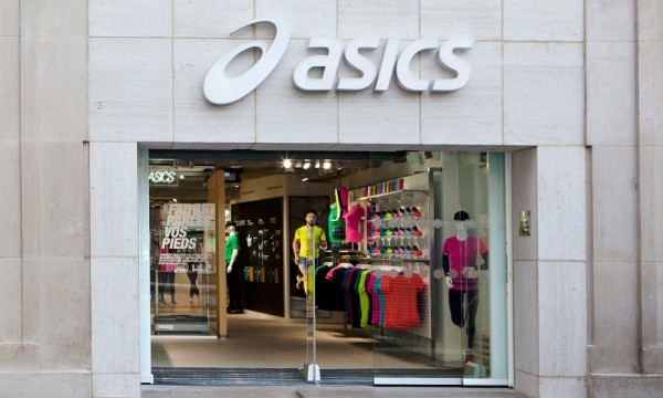 magasin asics a paris. Black Bedroom Furniture Sets. Home Design Ideas